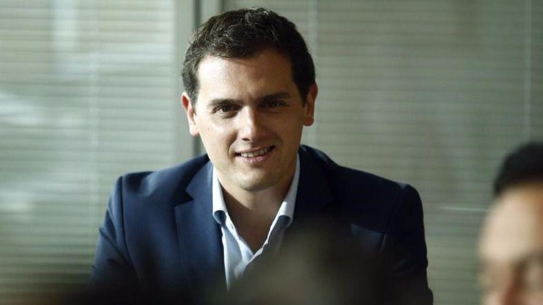 Rivera rechazará la moción de censura a Cifuentes en Madrid, propuesta por el PSOE