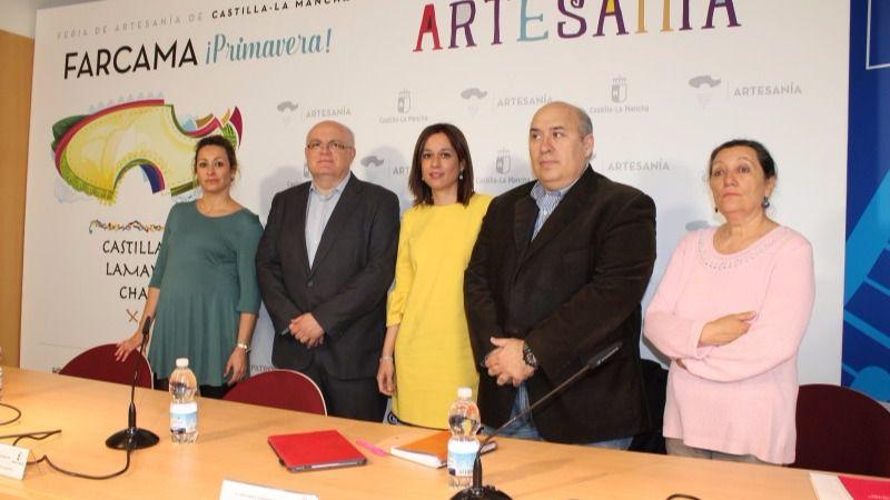 Un total de 48 expositores muestran sus creaciones en la edición de Primavera 2017 de Farcama