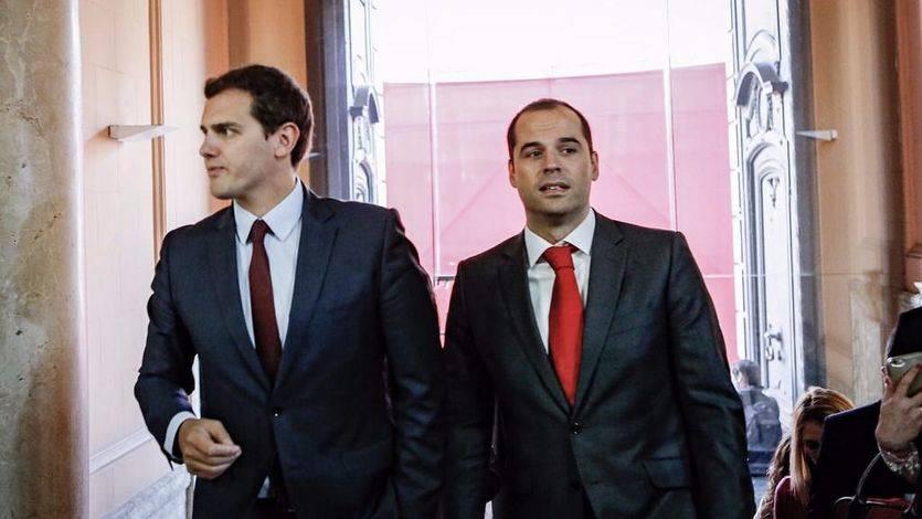 Ciudadanos regula la representación de sus cargos en lugares como el palco del Bernabéu