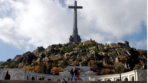 El Congreso exige al Gobierno sacar a Franco del Valle de los Caídos
