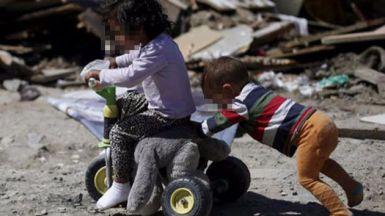 Cuando la macroeconomía no cuadra con la realidad: España presenta una de las tasas más altas de pobreza infantil de la UE