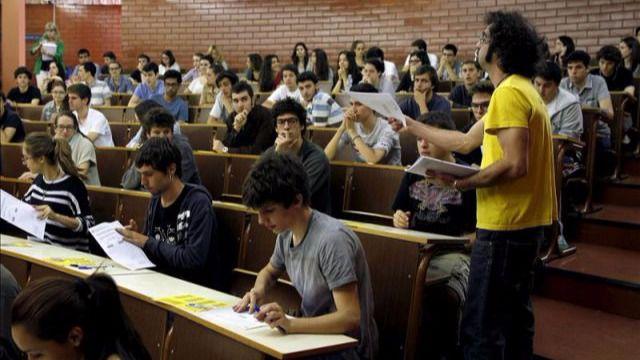 Oposiciones y empleo público: profesores de universidad y otras ofertas