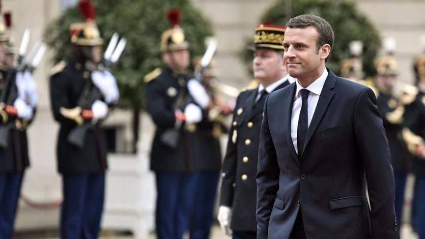 Macron toma posesión con 'grandeur': promete relanzar a Francia y a la Unión Europea