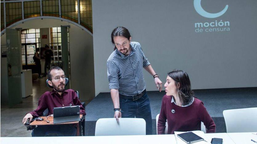 Pablo Iglesias, Irene Montero y Pablo Echenique durante la reunión del 'Gobierno en la sombra' sobre la moción de censura