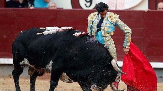 Curro Díaz muletea al natural al cuarto toro
