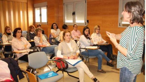 El Instituto de la Mujer y el SESCAM impulsan la formación de profesionales sanitarios en materia de violencia de género