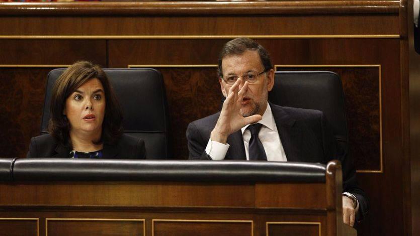 Sáenz de Santamaría cree que a las bases de Podemos, la moción a Rajoy 'se la refanfinfla'