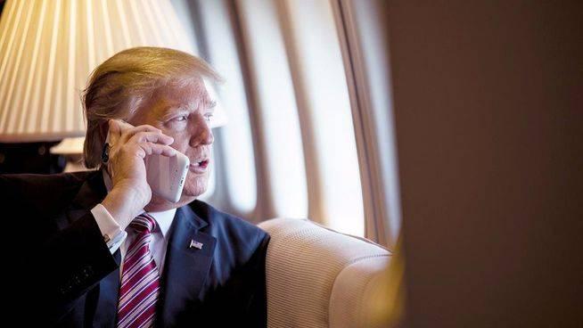 Trump pidió al FBI que archivase la investigación sobre los contactos rusos del ya dimitido Flynn