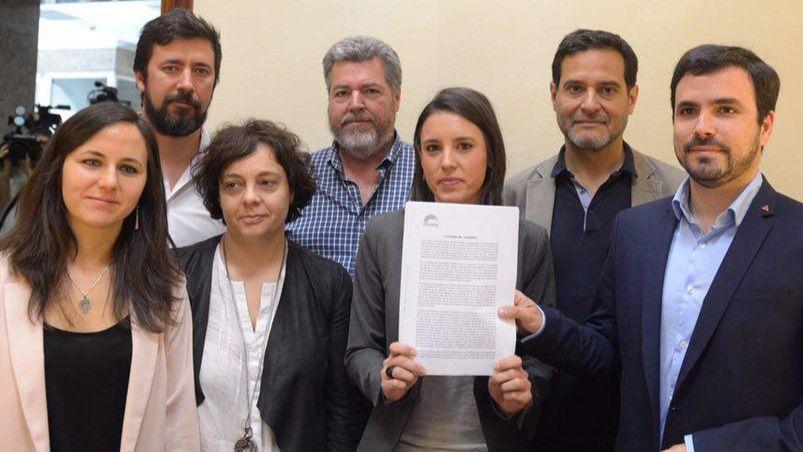 Podemos plantea su moción de censura, ya presentada en el Congreso, como una elección entre Pablo Iglesias o la corrupción