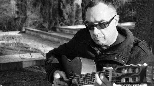 Javier Cuenca nos regala su música: 12 crónicas emocionales con la elegancia por bandera