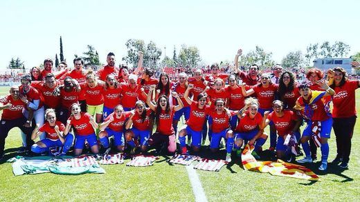 Por fin el Atlético de Madrid, campeón de Liga... femenina e imbatido en los 28 encuentros (2-1)