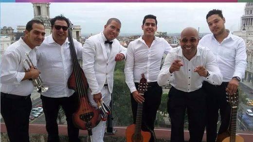 Los 'eternos' Jóvenes Clásicos del Son homenajean al maestro Antonio Machín (vídeos)