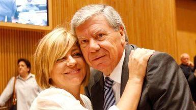 El ex ministro del Interior José Luis Corcuera y Elena Valenciano