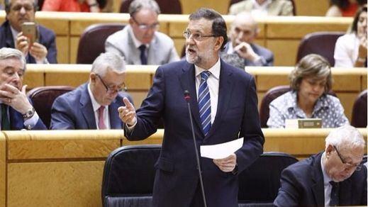 Rajoy recomienda con ironía a Espinar tomar tila en lugar de coca-cola