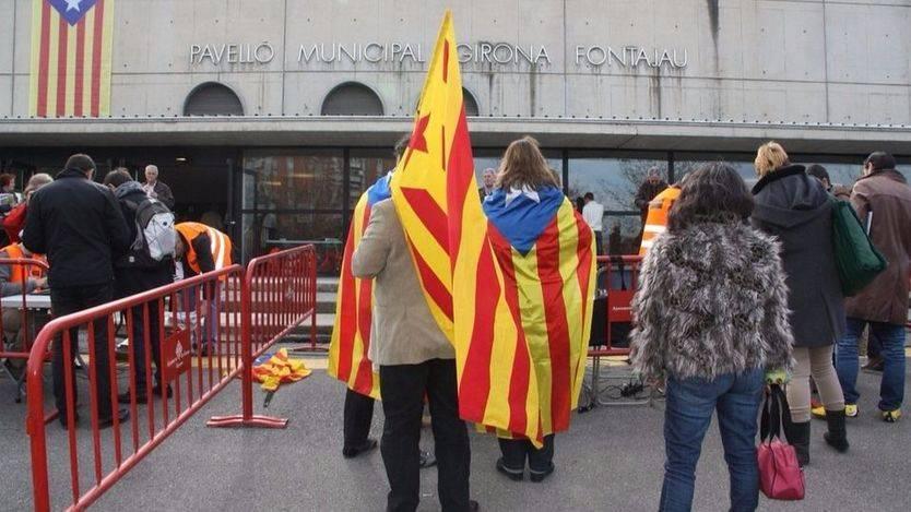 Los catalanes, en contra de los planes de sus dirigentes políticos para una independencia no negociada