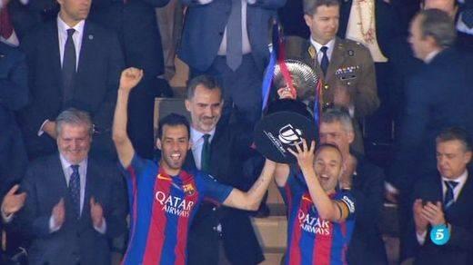 El Barça, con un Messi decisivo, sigue siendo el rey de Copas