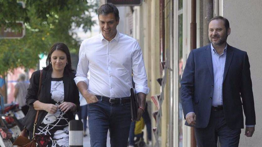 Adriana Lastra, Pedro Sánchez y José Luis Ábalos