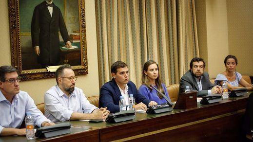 Ciudadanos rectifica y deja solo al PP en el intento de cerrar ya la comisión sobre Fernández Díaz