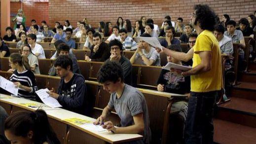 Convocatorias de concursos de acceso a plazas de cuerpos docentes universitarios: 32 plazas