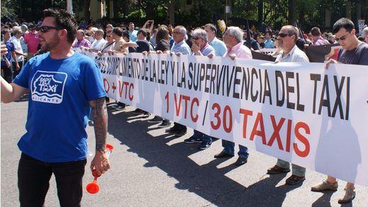 Los taxistas amenazan con una huelga indefinida a partir del 31 de julio