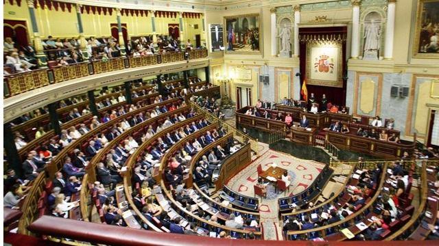 Puigdemont da una inesperada marcha atrás: ahora sí acepta la oferta de Rajoy de acudir al Congreso a explicar su plan soberanista