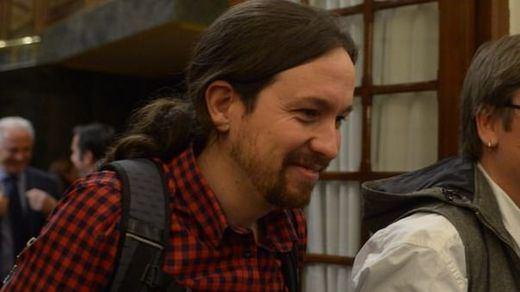 Iglesias cree que la consulta unilateral de Puigdemont es