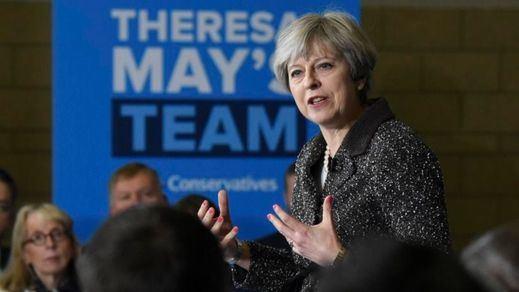 Theresa May responsabiliza al espionaje y a la Policía de la mala gestión antiterrorista a un día de las elecciones