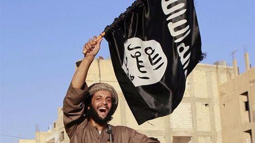 Estado Islámico sorprendió atentando ahora contra símbolos musulmanes: 13 muertos en Irán