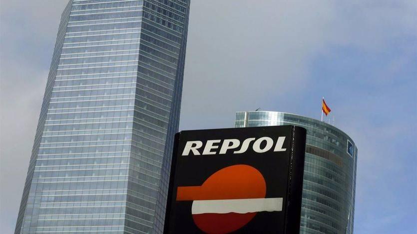 El presidente de Bolivia, Evo Morales, y el de Repsol, Antonio Brufau, pactan la expansión de la petrolera en el país americano