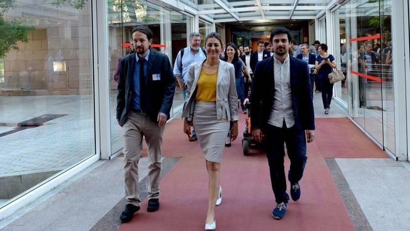 El debate de la moción contra Cifuentes indigna a Podemos: 'Lo que define al PP es robar y mentir'