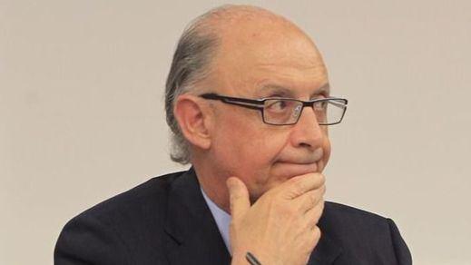 Duro golpe político al Gobierno: el Constitucional tumba la 'amnistía fiscal', pero indulta a los defraudadores