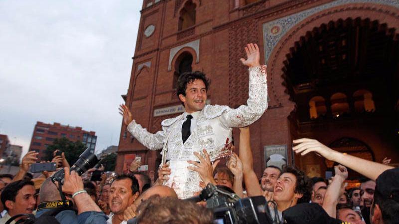 Juan del Álamo sacado a hombros de Las Ventas