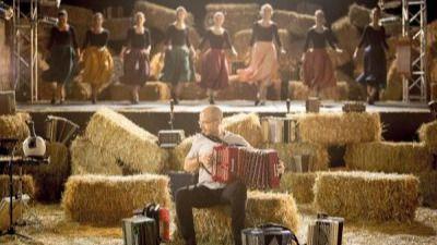 Korrontzi nos presenta las mejores músicas y danzas del folklore vasco (vídeo exclusivo)