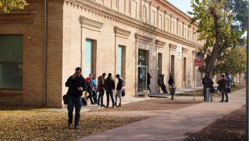 'Los 40 Principales' y mejores estudiantes de la región, reconocidos por su excelencia académica