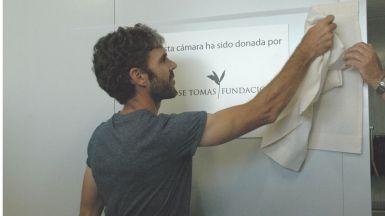 El torero José Tomás inaugura una cámara frigorífica que ha donado al Banco de Alimentos de Madrid