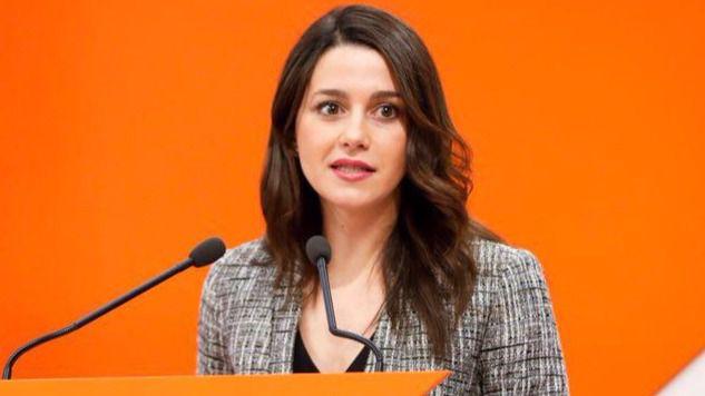 Arrimadas ridiculiza el referéndum de Puigdemont: 'Prometió la independencia en 18 meses y ahora habla de un 9-N con voluntarios'