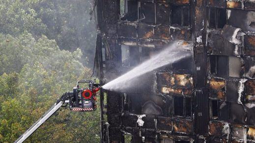 Trágica suma y sigue: ya son 58 las víctimas mortales del incendio en la Torre Grenfell