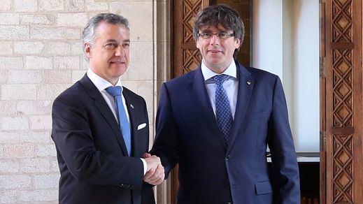 Gobiernos vasco y catalán se unen para pedir un diálogo para