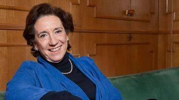 La APM de Victoria Prego 'deplora' lo que considera un veto de Podemos a determinados medios