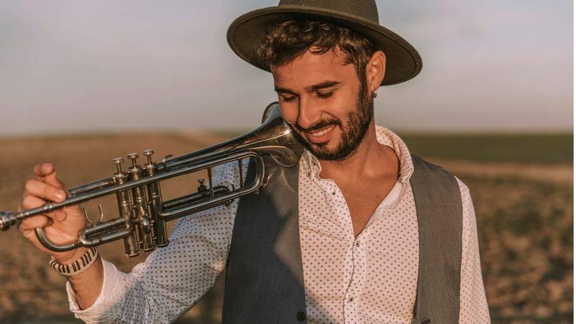 Molina se baja de 'El tren de los sueños' y se lanza en solitario con buena música: 'Yo soy 'pa' ti'