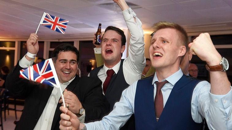 Reino Unido y sus condiciones del Brexit: obligará a los residentes europeos a tener un 'DNI' especial