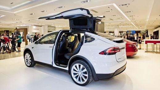 El Corte Inglés y Tesla inauguran una 'pop-up store' en el centro comercial de Marbella