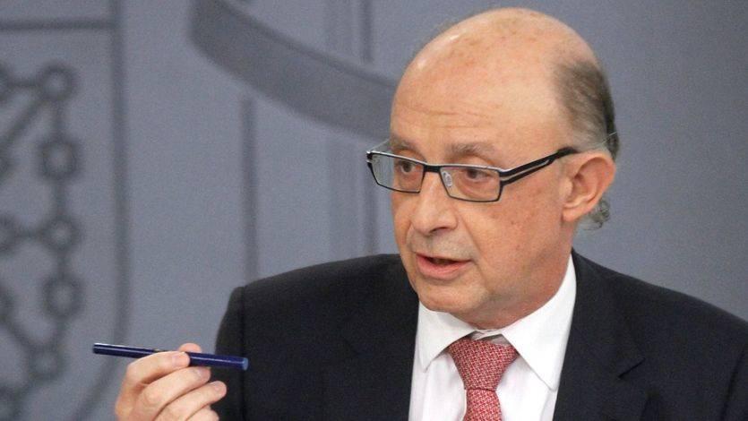 El ministro de Hacienda y Función Pública, Cristóbal Montoro Romero, durante la rueda de prensa posterior al Consejo de Ministros
