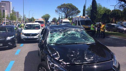 Un VTC de Uber sale disparado en pleno centro de Madrid tras chocar con un taxi