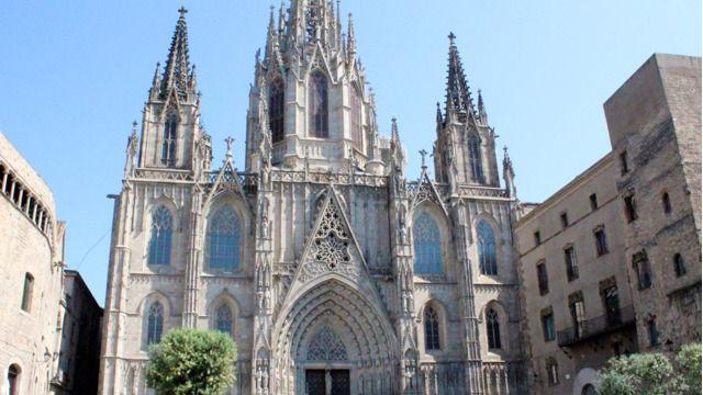 La nueva extravagancia política de la CUP: expropiar la catedral de Barcelona