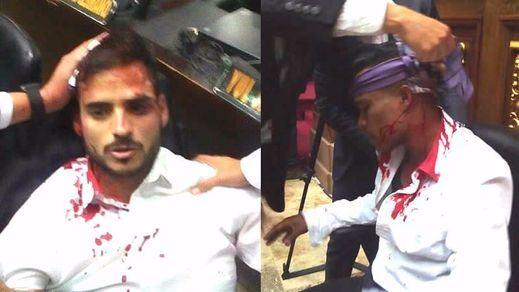 Maduro condena el asalto de la Asamblea Nacional por parte de grupos chavistas