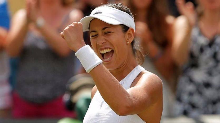 Wimbledon: la 'nueva' Muguruza, dirigida por Conchita Martínez, gana a la número uno del mundo y opta al título