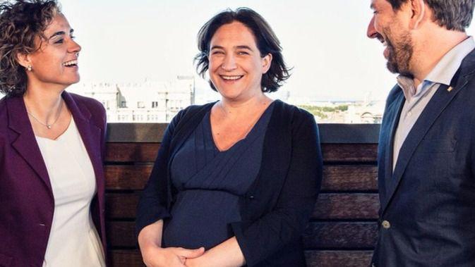 Ada Colau cede a los independentistas tras ofrecer a Barcelona para organizar el referéndum