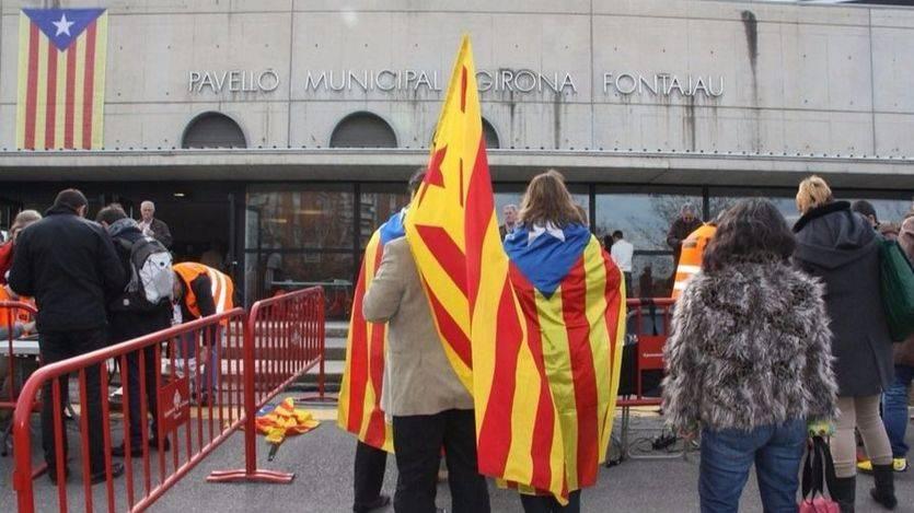 Los funcionarios en Cataluña se cierran en banda: no ayudarán en el referéndum