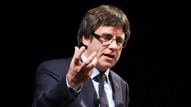Puigdemont se quita de en medio a 3 consellers para tener un gabinete 100% fiel a su referéndum